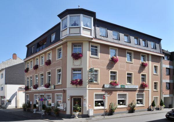 neuenahrer hof hotel hotels in bad neuenahr ahrweiler. Black Bedroom Furniture Sets. Home Design Ideas