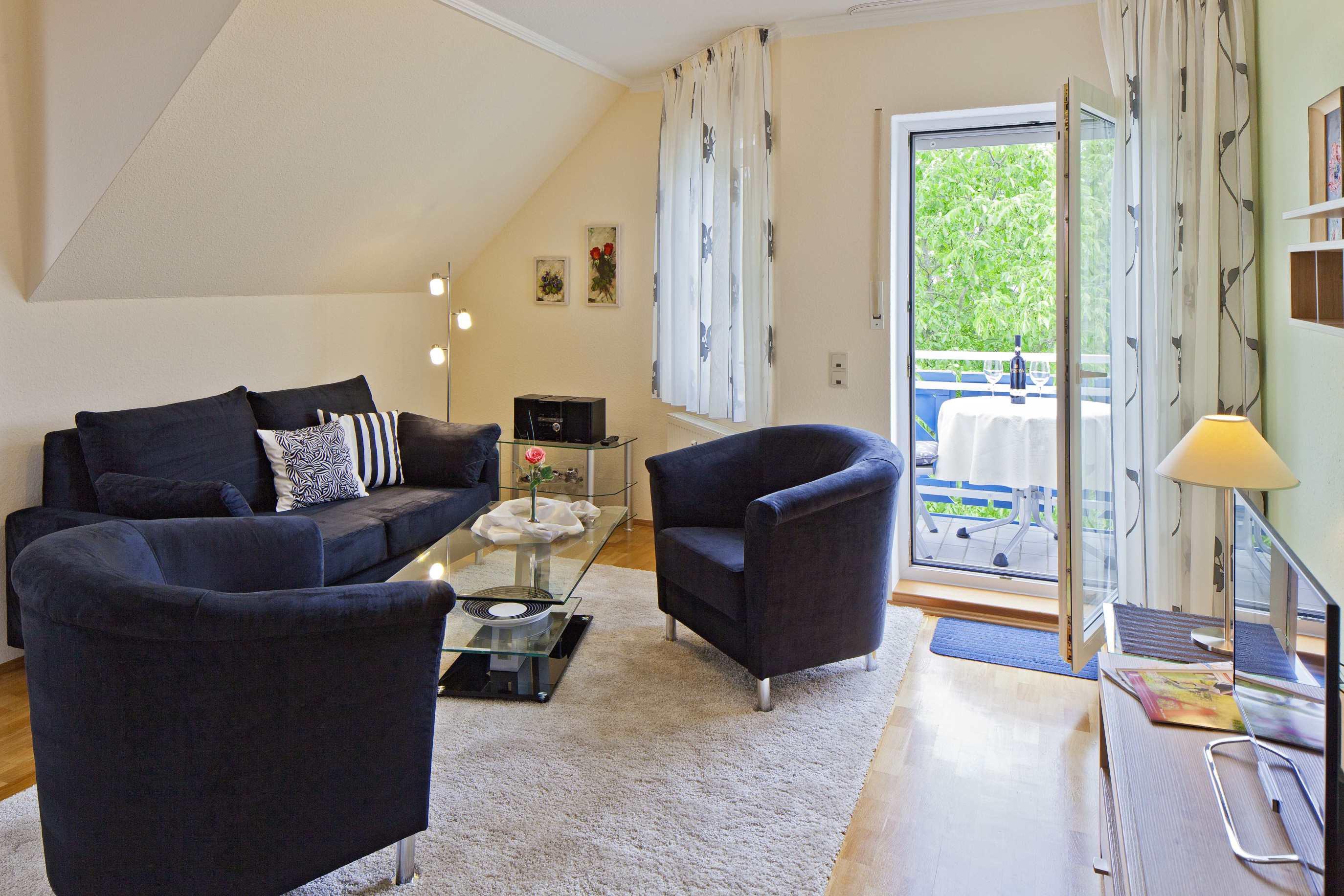 ferienwohnung ahr romantic ferienwohnung in bad neuenahr ahrweiler. Black Bedroom Furniture Sets. Home Design Ideas