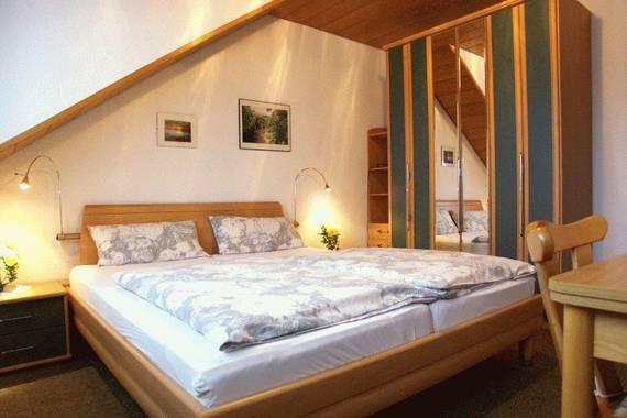 b nnagel leni pension in bad neuenahr ahrweiler. Black Bedroom Furniture Sets. Home Design Ideas